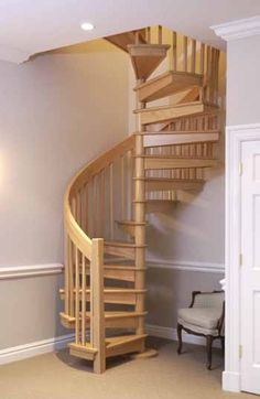 Spiral Staircases for Small Spaces with Exciting Design Ideas: Fascinating Spira Spiral Staircase design Exciting Fascinating Ideas small spaces Spira spiral Staircases Small Space Staircase, Loft Staircase, Attic Stairs, House Stairs, Staircase Design, Spiral Staircases, Attic Floor, Attic Closet, Stairs In Small Spaces
