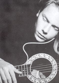 River Phoenix - actor, environmentalist, and musician. River Phoenix, My Own Private Idaho, Beautiful Soul, Gorgeous Guys, Beautiful Images, Beautiful People, Actors, Film, Artists