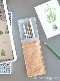 DIY-Idee halbachblog: Anleitung für eine Stiftetasche aus Korkstoff mit grauem Stoff in Leinenoptik