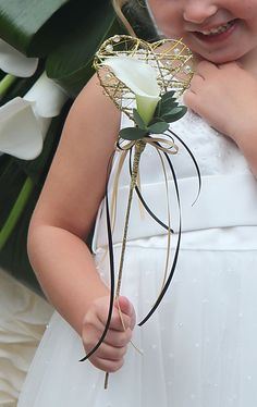 Flower girl wand with a classic white calla lily