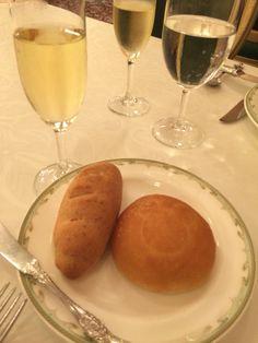 シャンパンとパン2種@S.Sコロンビアダイニングルーム