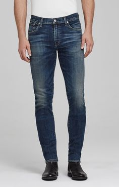 Crafted from stretch denim, our Noah jeans have a skinny cut that tapers and gathers at the ankle. They also offer a comfortable, relaxed feel and smooth, classic details, including the standard five pockets and belt loops. The mid-blue wash and subtle fading and whiskering gives the pair a love-worn quality.
