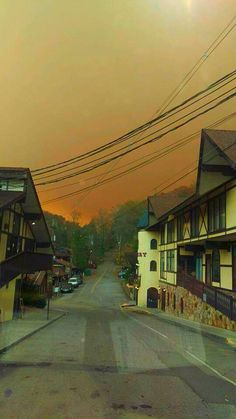 Forest fire approaching downtown Gatlinburg TN today