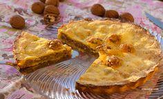 ¡Un clásico! Este pastel de nueces es un señor pastel. Comerlo te hará sentir muy privilegiado. Los amantes de la buena repostería lo sabrán apreciar.