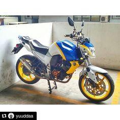 with The daily ride by yamaha_byson Yamaha Fz 16, Fz Bike, Bike India, Bike Stickers, Bike Photography, Sportbikes, Sticker Design, Gallery, Instagram Posts