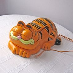 garfield phone..OHhhhhhh......I had one of these too!!  My brother, Marty HATED IT!!!!