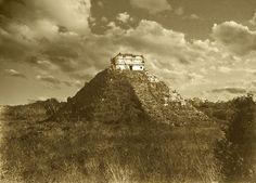 El Templo de #Kukulkan, #Chichen Itza, #Mexico fotografía de Teobert Maler, 1892. Tours Magico Riviera Tour By Mexico - Google+