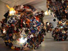이미지 출처 http://static4.businessinsider.com/image/50eb0288ecad04dc73000011/this-time-lapse-video-of-an-art-installation-made-of-garbage-is-oddly-soothing.jpg