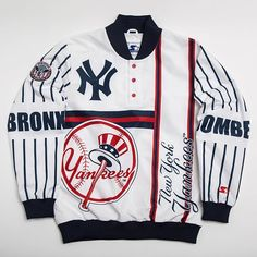 NY Jacket exclusively at Jimmy Jazz Hip Hop Fashion, Urban Fashion, Versace Jacket, Nfl Team Apparel, Comfortable Sneakers, Androgynous Fashion, Boys Wear, Swag Outfits, Boys Shirts