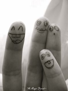 Finger faces - group photo