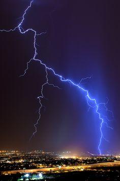 Lightning (by Mike Olbinski)