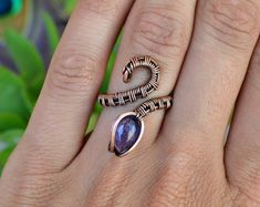 Adjustable Amethyst Snake Ring. Wire Wrapped Ring. Unique Gemstone Ring. Nature Jewelry. Gypsy Ring. Boho Crystal Ring. Artistic Jewelry