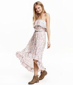 Puderrosa/Geblümt. Kurzes Off-Shoulder-Kleid aus gekrinkelter Viskose mit…