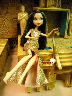CLEO DE NILE   Cleo De Nile! - Monster High Dolls .com