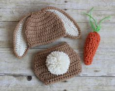 Crochet Bunny Hat Diaper Cover and Carrot por Chinguliscreations