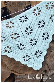 bandorka: Háčkovaný kytičkový šátek Virag Bandana, Diy And Crafts, Blanket, Crochet Poncho, Long Scarf, Crochet Shawl Patterns, How To Knit, Dots, Tejidos