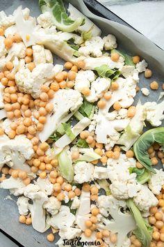 Pieczony kalafior z ciecierzycą » Jadłonomia · wegańskie przepisy nie tylko dla wegan