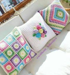 Crochet Afghans Set of 3 crochet cushion covers, handmade cotton and natural wool blanket - Crochet Cushion Cover, Crochet Pillow Pattern, Crochet Motifs, Crochet Cushions, Crochet Squares, Crochet Patterns, Granny Squares, Blanket Crochet, Crochet Afghans