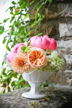 love these colors with the white vase