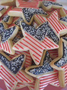 Happy Memorial Day Custom Decorated Cookies from Patriotic Desserts, 4th Of July Desserts, Fourth Of July Food, 4th Of July Celebration, 4th Of July Party, July 4th, Patriotic Party, Patriotic Crafts, 4th Of July Ideas