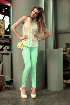 Shop this look on Kaleidoscope (blouse, jeans, purse, pumps)  http://kalei.do/WCPLlplpim3snX5Q
