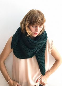 414cbe234f39 Winging It Shawl pattern by Iris Schreier   Chales y ponchos etc    Pinterest   Shawl, Shawl patterns y Knitting