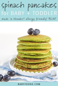 Easy Blender Spinach Pancakes for Baby + Toddler (Allergy Friendly!) - Baby Wear - Easy Blender Spinach Pancakes for Baby + Toddler (Allergy Friendly! Spinach Pancakes, Baby Pancakes, Breakfast Pancakes, Pancakes Easy, Baby Food Spinach, Baby Muffins, Banana Pancakes, Toddler Allergies, Baby Food Recipes