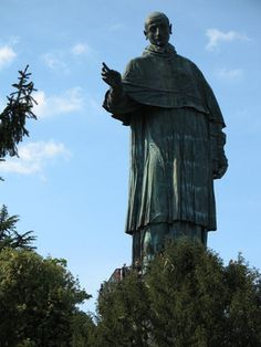 San Carlo, Italië -  Colossus van San Carlo Borromeo  My 10th cousin 15 times removed
