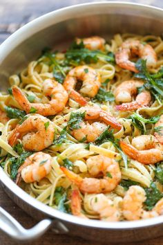 Garlic Butter Shrimp Pasta - An easy peasy pasta dish that's simple, flavorful and incredibly hearty. And all you need is 20 min to whip this up! Fish Recipes, Seafood Recipes, Dinner Recipes, Cooking Recipes, Healthy Recipes, Dinner Ideas, Healthy Food, Shrimp Pasta Recipes, Eating Clean