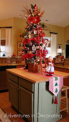 Mini Christmas tree! How cute is that ladder?