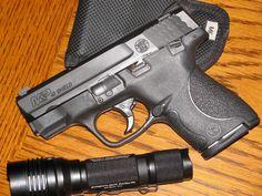 Smith & Wesson M & P .40 Shield