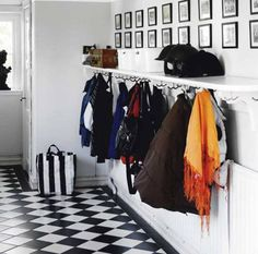 10 Stunning Ways To Organize Your Entryway2