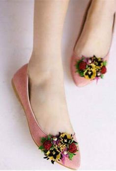 darling flats with bouquets