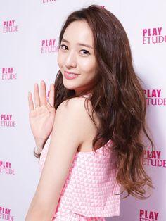 Krystal Jung Hi Look in Etude House Krystal Jung, Jessica & Krystal, Kpop Girl Groups, Korean Girl Groups, Kpop Girls, Etude House, Korean Beauty, Asian Beauty, 54 Kg