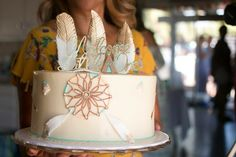 My boho tribal baby shower cake with dream catcher and gold dipped feathers. Gender neutral since it's a surprise! Dream Catcher Cake, Bohemian Cake, 1st Year Cake, Xmas Holidays, Christmas Time, Tribal Baby Shower, Christmas Preparation, Christmas Decorations For The Home, Holiday Break