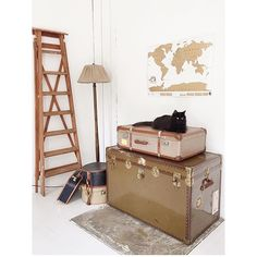 How cool is this wanderlust style room?! All you need is a Scratch Map, various trunks, ladder, rug and a black cat...  by @hemmaigfle #ScratchMap #style #wanderlust #livingroom #catsofinstagram #blackcat #interiordesign #travel #trunks #travelbug #travelgram #travellife #travellove #travelstyle #travelpics #instatravel #map #diy #potd #instacool #instapics #LuckiesofLondon