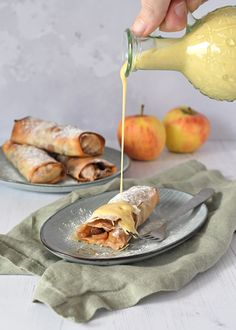Home - Laura's Bakery Apple Recipes, Baking Recipes, Cake Recipes, Dessert Recipes, Desserts, How To Cook Pancakes, Puff Pastry Recipes, Pastry Cake, Baked Apples