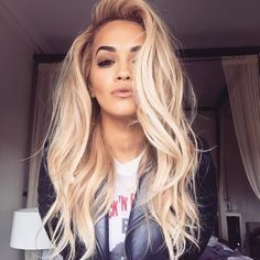 Rita Ora always proving how gorgeous blonde hair p. Rita Ora always proving how gorgeous blonde hair pairs with brown eyes. Hair Day, New Hair, Your Hair, Wavy Hair, Ombre Hair, My Hairstyle, Pretty Hairstyles, Everyday Hairstyles, Latest Hairstyles
