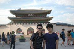 두 아들의 서울시티투어중  광화문앞에서..2013 여름