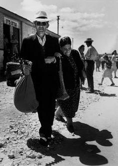 Robert Capa Photos
