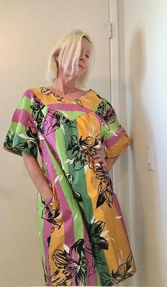 e8bd12913fe3 Sunshine Lavender Lime Floral Stripe Polished Cotton Vintage 70s Dress  Hawaiian Style Summer