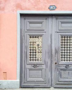 pastel doors in paris