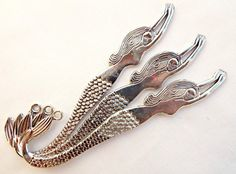 3 x Antique Silver Style Diving Mermaid Metal Bookmarks. Lead Free, Nickel Free & Cadmium Free.  Dimensions (approx.): Length: 120 MM = 12 CM = 4.72 inches = 4 3/4 Width: 30 MM = 3 CM = 1.18 inches = 1 1/8 Depth: 1 MM = 0.1 CM = 0.04 inches = 1/16 Hole: 3 MM = 0.3 CM = 0.12 inches = 1/8  MORE Bookmarks: http://etsy.me/1I96dQx  OTHER Items Available Gemstones: http://etsy.me/1I9KdX...