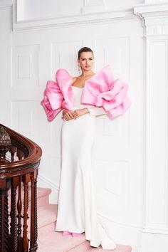 Christian Siriano Resort 2019 Fashion Show Collection: See the complete Christian Siriano Resort 2019 collection. Look 15