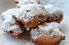Italy is the birthplace of Carnival celebrations, so why not celebrate Martedí Grasso (Fat Tuesday) this Tuesday, Feb. 12, 2013 at Pizzeria Mimosa with Frittelle di Carnevale Veneziane? Queen of Venetian Carnival cakes! Rum fritters filled with cream, raisins and pinenuts dusted with powdered sugar! #Carnival www.pizzeriamimosa.com www.facebook.com/pizzeriamimosa