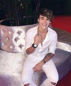 "104.4 mil curtidas, 1,667 comentários -  Snapchat: alexmapeli (@alexmapeli) no Instagram: """" Fashion Mag, Teen Fashion, Cute Teenage Boys, Cute Boys, Swag Boys, Photography Poses For Men, Boys Dpz, Handsome Boys, Pretty Boys"