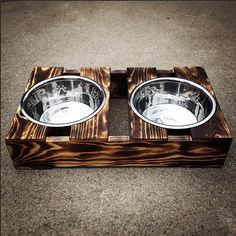 This custom made rustic crate dog dish feeder comes with 2 silver bowls.    ADD $5 for a custom name painted on the side.