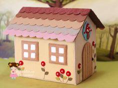 Uma casinha bem fofinha com certeza! ♡   Há tempos tinha feito uma casinha para uma família de bonec os caipiras para a Yoki: AQUI!  E hoje... Art N Craft, Craft Stick Crafts, Felt Crafts, Paper Crafts, Cardboard Houses For Kids, Cardboard Dollhouse, Fabric Houses, Paper Houses, Craft Activities For Kids