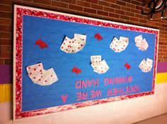 Valentine's Day bulletin board Valentines Day Bulletin Board, College Club, Bulletin Boards, Teaching Ideas, Classroom, Kids Rugs, Decor, Decorating, Kid Friendly Rugs