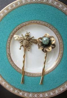 Vintage Brass Honey Bee and Flower Bobby Pins, Shabby Chic Wedding, Bridal, Hair Pins,  Something, Blue, Golden Bee
